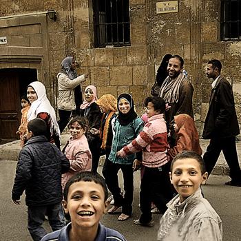 As pessoas nas ruas do Cairo