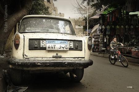 Cairo - Carro velho e bicicleta 700