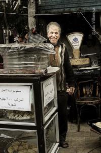 Cairo - vendedor de bolo 700