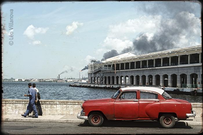 Havana - coche en el puerto 700