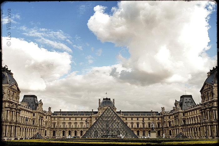 - Louvre