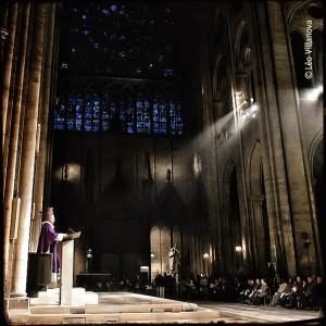 - Paris - Notre Dame missa