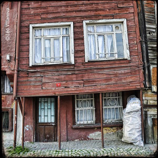 Istambul - casa de madeira 01