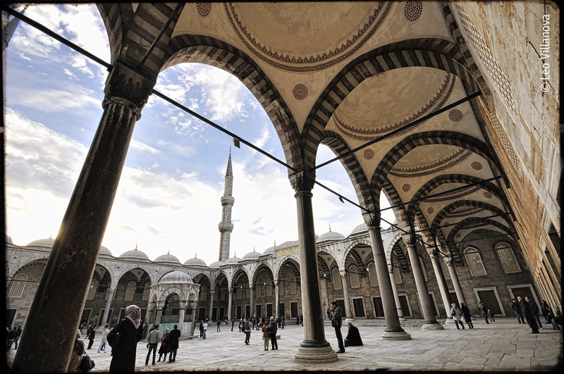Istanbul - The Blue Mosque 02
