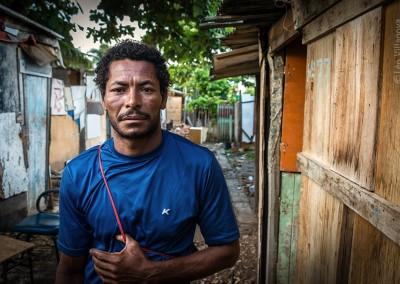 16 - O pescador Roberto Silva