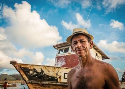 18 - Pescador em terra